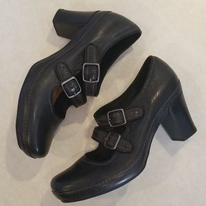 CLARKS Artisan Black Leather Mary Janes Size 5.5 M
